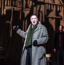Richard Hope as Arthur Kipps